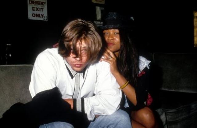 Кроме того, Робин прославилась и как модель, в том числе Playboy, а также по браку с Майком Тайсоном. Гивенс была женой боксера всего несколько месяцев, а потом ушла, обвинив в рукоприкладстве.