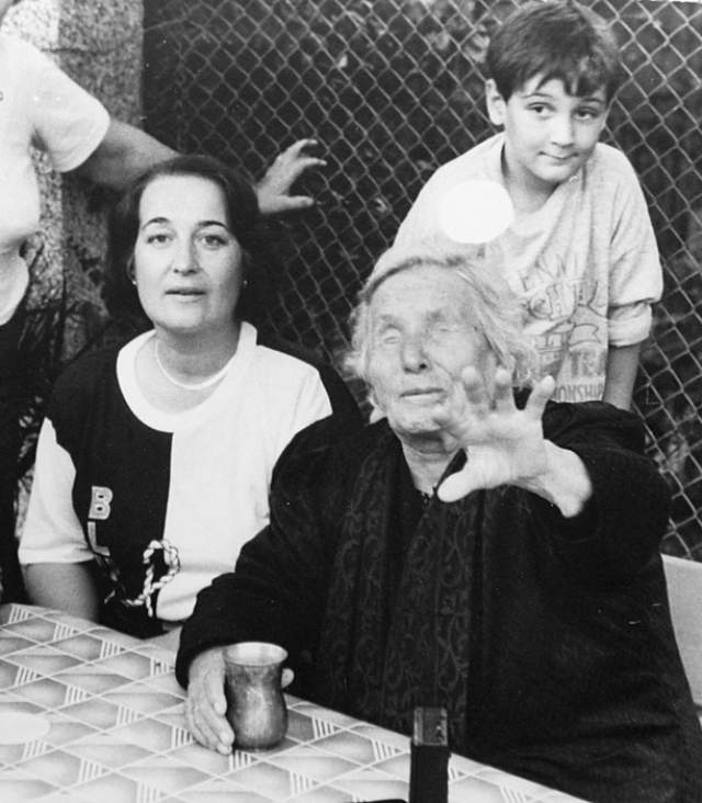 """""""В конце века, в 1999 или 2000 году, Курск окажется под водой, и весь мир будет его оплакивать"""". Одни подумали, что речь идет о городе в Черноземье, а другие - что это говорит помутненный старостью рассудок женщины."""