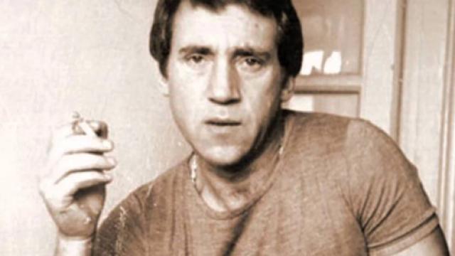 В конце 1975 года на смену алкоголю пришли морфий и амфетамин. При этом дозы постоянно увеличивались. В ночь на 25 июля 1980 года Владимир Высоцкий скончался во сне от острой сердечной недостаточности в своей московской квартире.