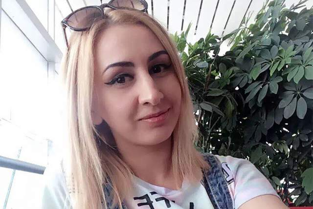 Марина Яблочкина В январе 2017 года российская модель из Барнаула погибла на картинге в одном из китайских парков аттракционов. Девушка не справилась с управлением и врезалась в стену. Она мгновенно потеряла сознание: у девушки, как потом выяснилось, был сломан шейный позвонок.