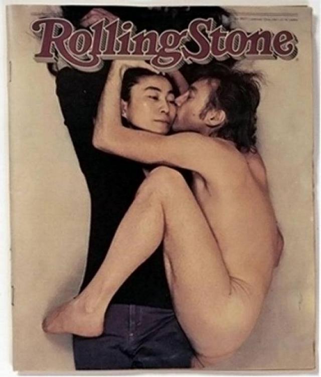 Rolling Stone, январь 1981. Знаменитый снимок Джона Леннона и Йоко Оно сделан в Нью-Йорке фотографом Энни Лейбовиц. Фактически это последняя прижизненная фотография музыканта. Через несколько часов после этого великого Леннона не стало.