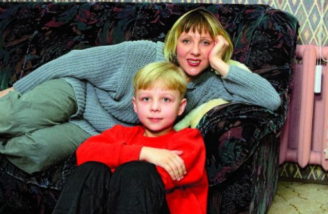 Вскоре брак распался, а с новым мужем Яковлева никак не могла забеременеть целых десять лет. В 31 год актриса родила своего первого и единственного ребенка.