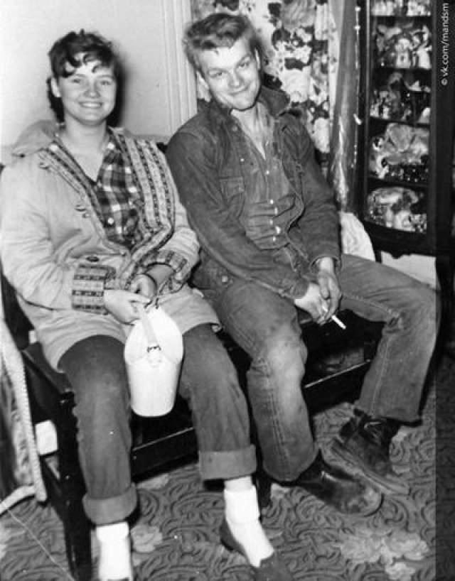 Чарльз Старквезер и Кэрил Энн Фьюгейт Они влюбились друг в друга в 50-х. Тогда Фьюгейт было 14, и ее отчим и мать не одобряли отношения с 19-летним Старквезером.