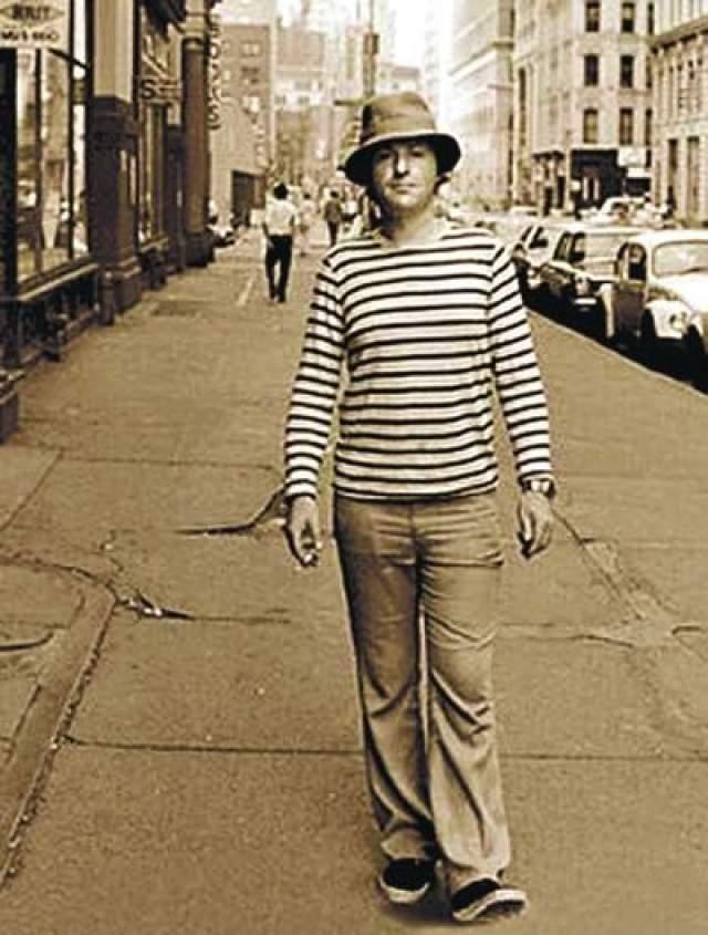 """Иосиф Бродский. Поэт в начале 70-х был вынужден покинуть Советский Союз не по своей воле: советского гражданства его попросту лишили. Он переезжает в Вену, а затем в США, где принимает пост """"приглашенного поэта"""" в Мичиганском университете в Энн-Арборе."""