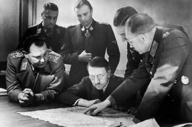 20 июля 1944 года против Гитлера был организован заговор, целью которого было его физическое устранение и заключение мира с наступающими союзными войсками.