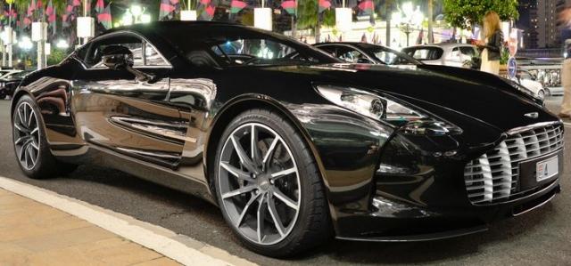 Aston Martin One-77 - $2 600 000. Разгон в 100 километров в час аво набирает за 3.5 сек.