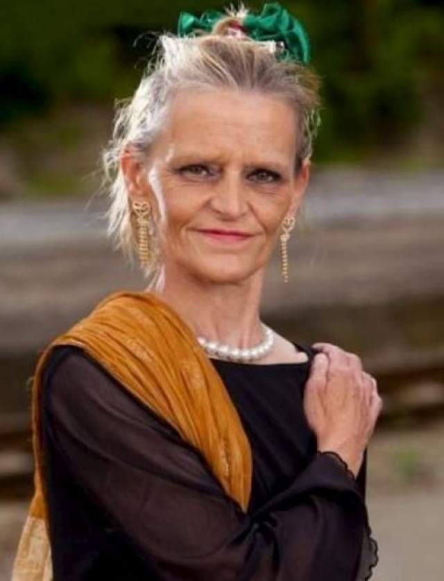 Победительница конкурса 58-летняя Терез Ван Бель получила право целый год бесплатно проживать в специально арендованном для нее доме.