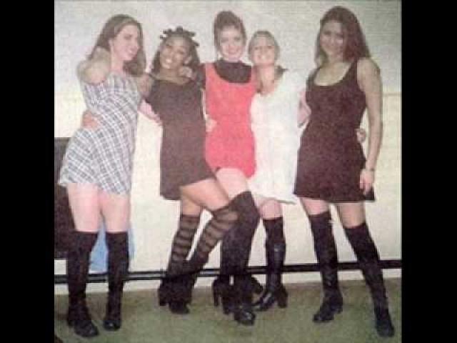 """Группе было решено дать название """"Touch"""". Девушки с самого начала начали спорить с создавшими проект продюсерами по поводу того, что и как петь и как при этом двигаться."""