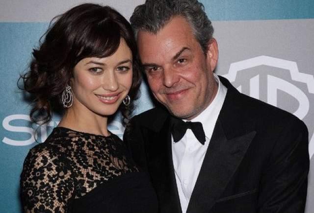 Модель и актриса до этого была дважды замужем, но не засиживалась там подолгу. С Седриком ван Молем она прожила четыре года (на фото) (2000-2004), с Демианом Габриэллом - один год (2006-2007).