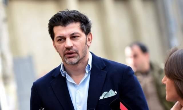 Несмотря на первое место в списках, Каладзе председателем правительства тогда так и не стал. Но пару важных постов в государстве он все-таки получил, став вице-премьером и министром энергетики Грузии.