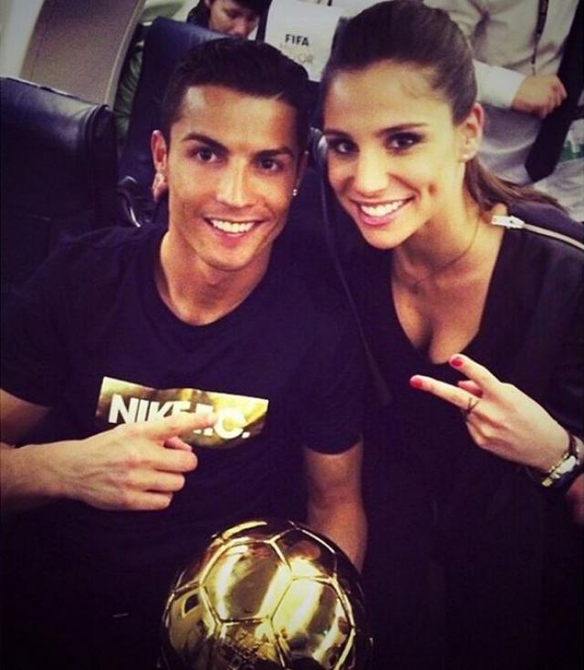 Место сексуальной фотомодели заняла 26-летняя красотка Лусия Вилланон. Девушка работает на канале Real Madrid TV.