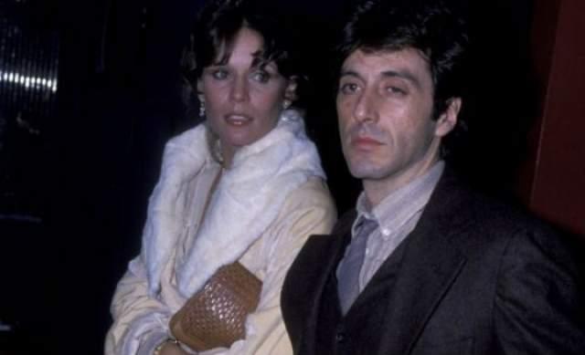 """В 1977 году Аль Пачино недолго встречался с патрнершей по фильму """"Жизнь взаймы"""" Мартой Келлер. После разрыва актеры сохранили дружеские отношения."""