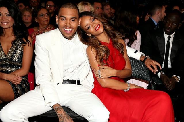 Рианна. Ссора певицы и ее бойфренда, хип-хоп исполнителя Криса Брауна, бурно обсуждалась прессой в 2009 году.