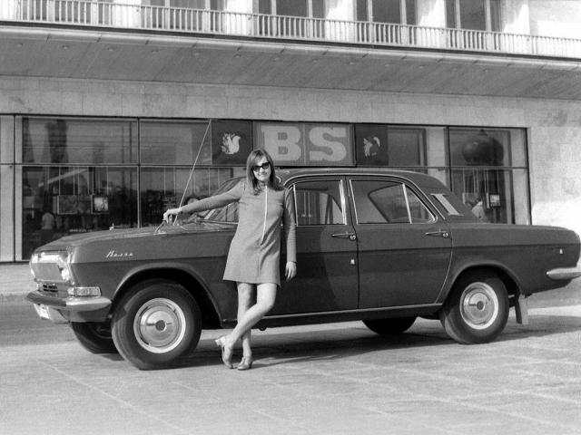 """""""24-я"""" модель стала настоящим открытием: размеры уменьшились, а колесная база увеличилась, ширина осталась та же, но салон стал просторнее, а багажник был по тем временам просто огромный."""