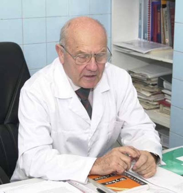 Остальные умерли от легочных заболеваний или от общего отравления (интоксикации) организма. Один из выживших - профессор Болеслав Смык - несколько лет страдал бессонницей, головными болями, нарушением вестибулярного аппарата.