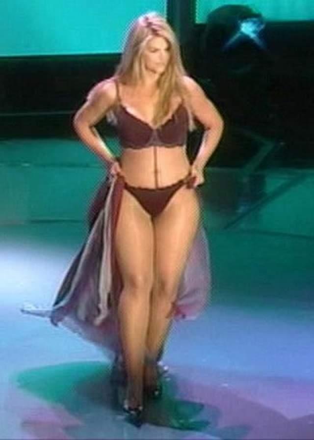 Однако спустя пять лет произвела фурор, придя к Опре Уинфри на шоу в одном купальнике.