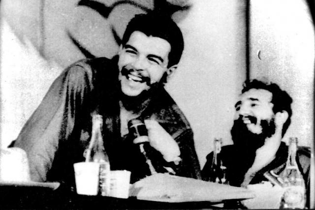 В этот период на Кубе более восьми тысяч человек были расстреляны, многие - без суда и следствия.