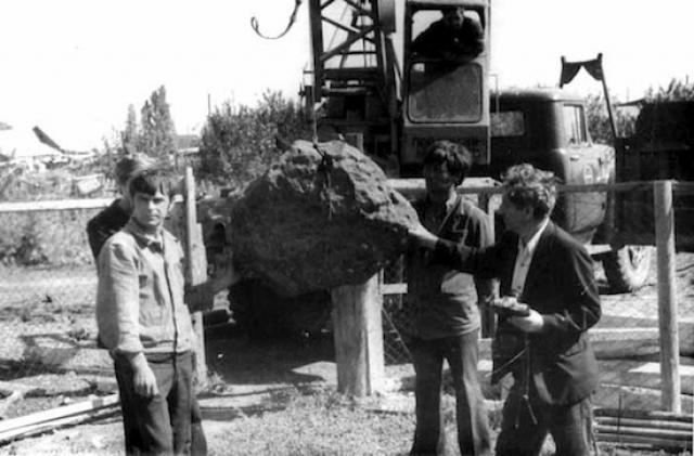 Слух о происшествии быстро разнёсся по всей России: в Астраханскую губернию прибыли экспедиции, но они следов падения метеорита по каким-то причинам не нашли.