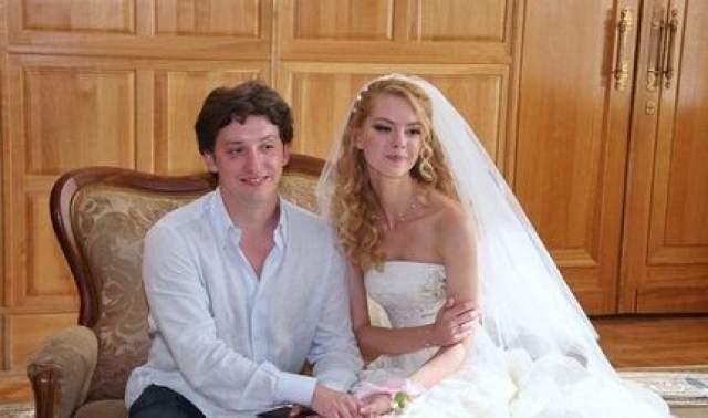 9 июля 2010 года состоялась свадьба Ляжки Грыу и Михаила Вайнберга. 20 февраля 2011 года у пары родился первенец, мальчика назвали Максимом.