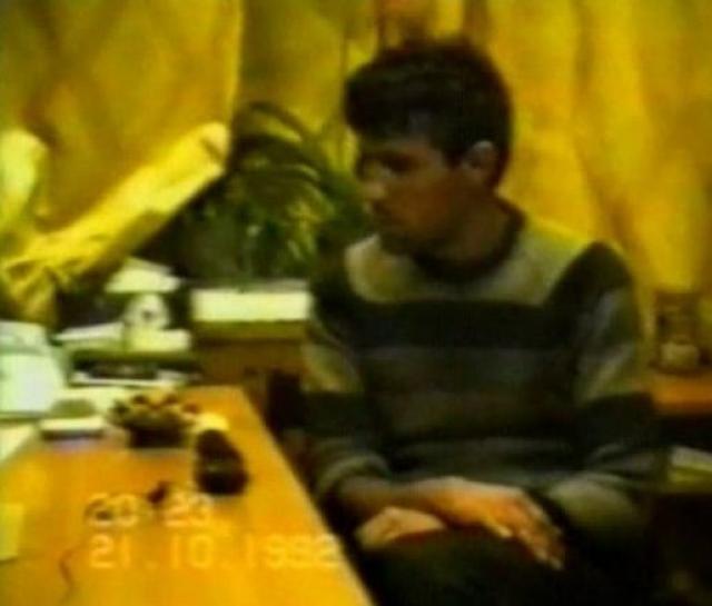 Установив личности погибших, следователи посетили школу, где те учились. Один из одноклассников во время допроса указал на Сергея Головкина как на человека, подвозившего его и трех последних, одновременно убитых мальчиков 14 сентября 1992 года от станции Жаворонки.