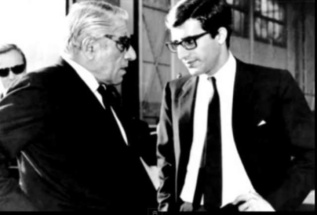 """Но трагедии не закончились. Единственный сын Аристотеля Онассиса Александр погиб в авиакатастрофе в январе 1973 года. Онассис начал быстро сдавать, и 15 марта 1975 года он скончался в Париже. В прессе тут же запестрели заголовки """"Жаклин снова вдова!""""."""