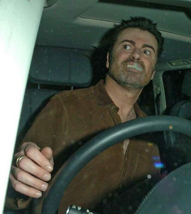 За пьяное вождение Майкла осудили на 100 дней общественных работ в лондонском приюте для бездомных.