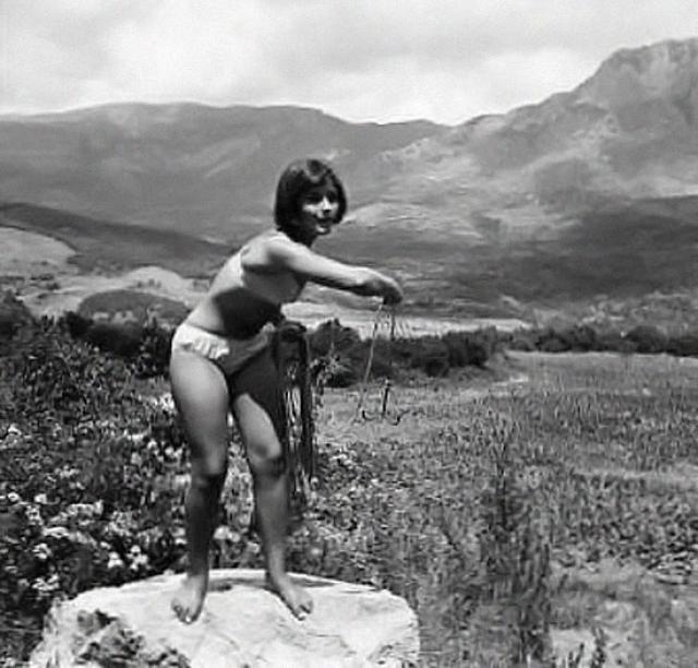 Например, в легких эротических сценах он показывал героинь не в нижнем белье, а в купальниках.
