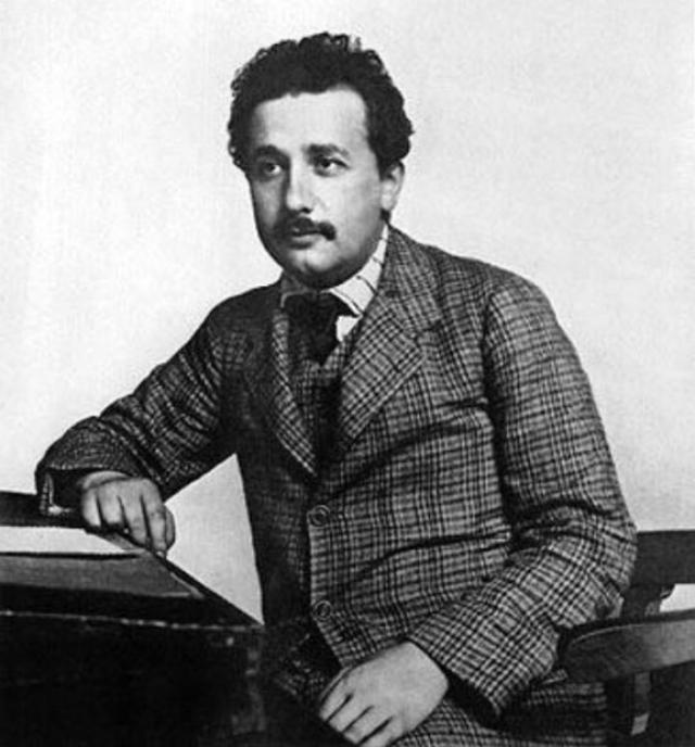 Интересно, что ко времени написания этого письма Эйнштейн уже состоял в связи со своей двоюродной сестрой Эльзой . Вскоре Милева и Альберт стали жить раздельно, но окончательно развелись только через пять долгих лет, в 1919.