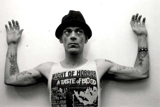 В середине 90-х появились сведения, что он бросил, однако в 2002 году он умер в возрасте 50 лет от передозировки героина.