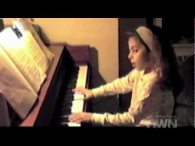 А свою собственную первую балладу сочинила в 13 лет.
