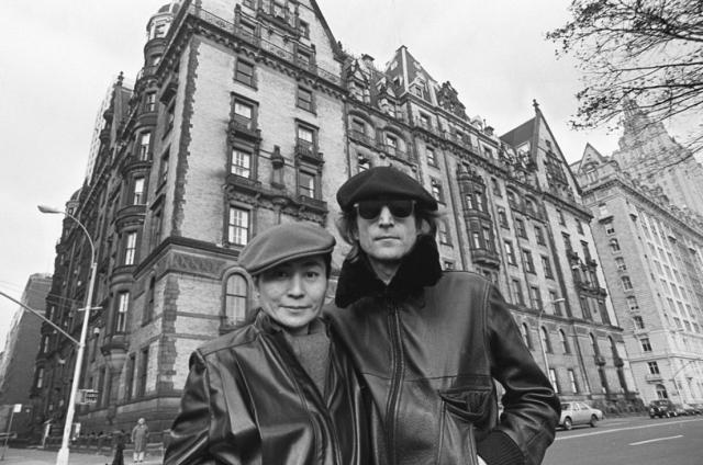 """В доме """"Дакота"""", где жил Леннон на момент его убийства, проходили съемки триллера Романа Полански """"Ребенок Розмари"""" (1968)."""