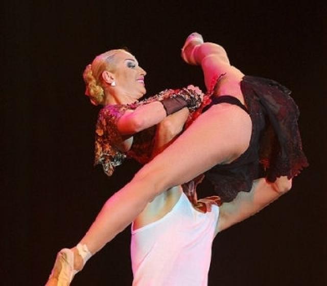 Подвергались критике и костюмы и тематика ее шоу для детей.