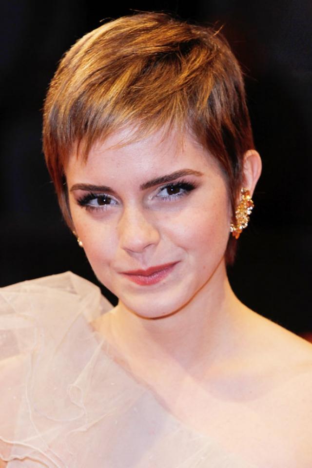 """Эмма Уотсон. Шоком стала для поклонников и ультра-короткая стрижка звезды """"Гарри Поттера""""."""