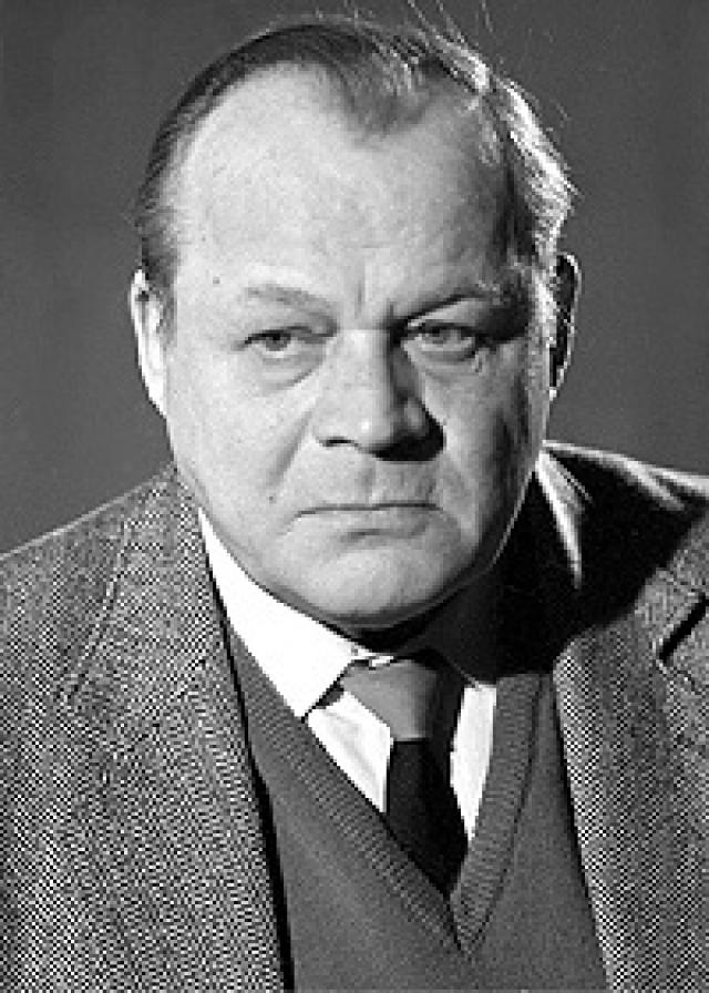 Актер снимался до конца жизни. Скончался 16 марта 1992 года. Похоронен на Ваганьковском кладбище.