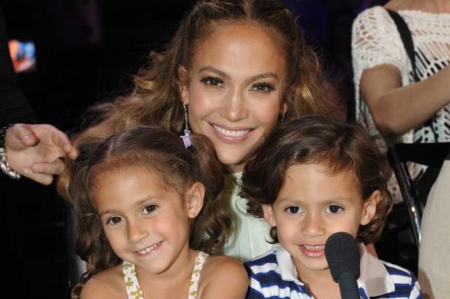 Дженнифер Лопес. Семь лет брака с Марком Энтони никак не повлияли на решение латиноамериканской звезды воспитывать детей в одиночку.