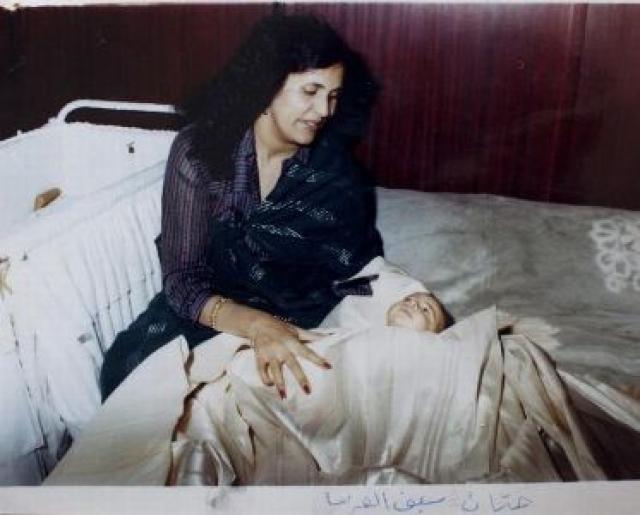 Во время правления Каддафи, ливийка, родившая ребенка, получала пособие в размере 5000 долларов для себя и малыша.