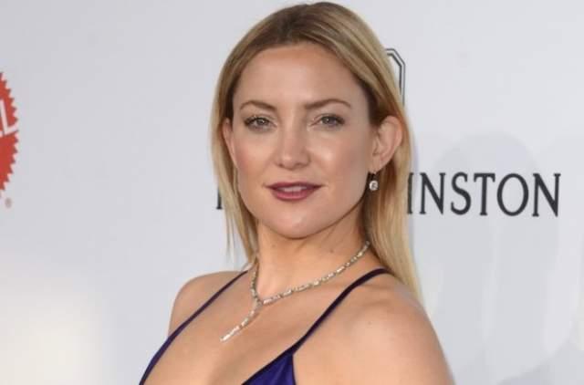 Родительские успехи в кино не могли не повлиять на выбор Кейт, поэтому между продолжением образования в университете и актерской карьерой Хадсон выбрала последнее.