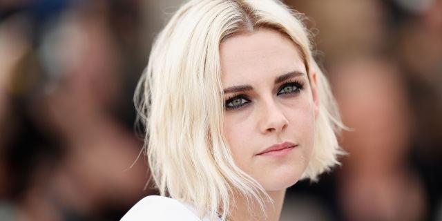 Она, как и многие другие, неожиданно стала блондинкой.