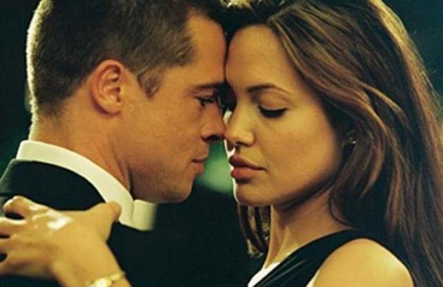 """Половина журналистов обвиняли в разводе Бреда, приписывая ему роман с Анджелиной Джоли, партнершей по съемкам в фильме """"Мистер и миссис Смит""""."""