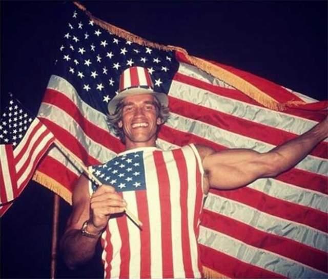 Арнольд празднует получение американского гражданства, 16 сентября 1983 года.