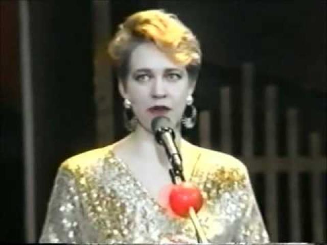 После завершения выступлений в Клубе веселых и находчивых Татьяна стала и актрисой, и певицей, и телеведущей....