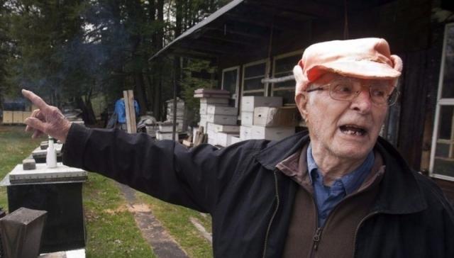 После Второй мировой войны Владимир Катрюк эмигрировал в Канаду. В 1999 году его лишили канадского гражданства в связи с подозрениями в нацистском прошлом, однако, в мае 2007 года это решение было пересмотрено из-за недостатка доказательств.