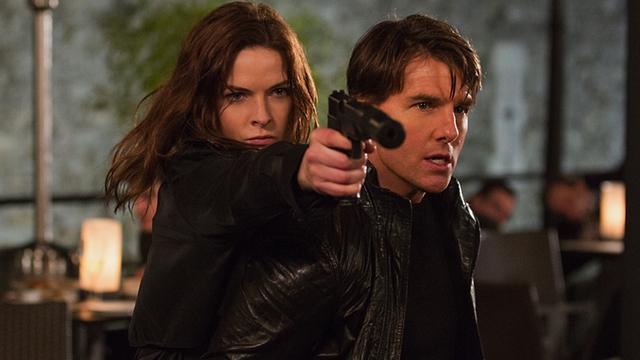 """Актриса должна была сниматься в третьей части боевика """"Миссия невыполнима"""", но из-за разногласий с исполнителем главной роли Томом Крузом она покинула проект."""