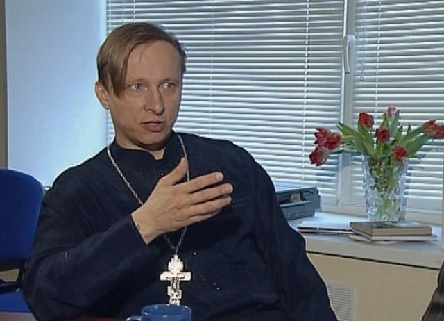 До 2005 года отец Иоанн служил в храме святителя Николая в Заяицком, расположенном на Раушской набережной Москвы-реки.