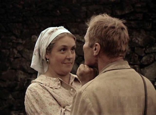 """На съемках фильма """"Какое оно, море?"""" Шукшин встретил 26-летнюю киноактрису Лидию Федосееву , ради которой бросил семью. Но ради Мордюковой он был готов забыть и этот брак, но не сложилось."""