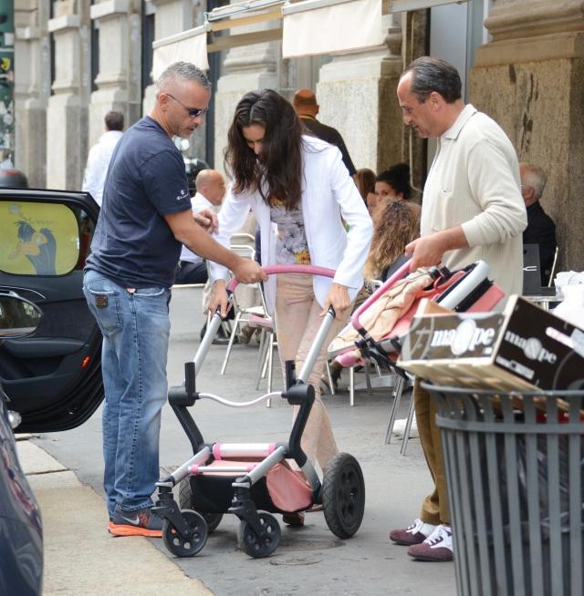 Его супруга, 26-летняя модель Марина, родила ему сына.