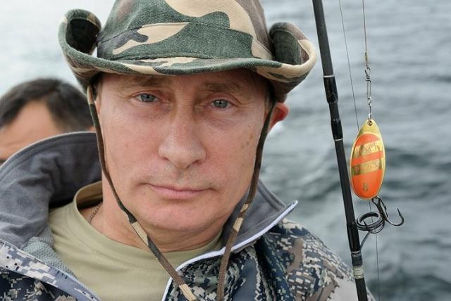 Очень любит рыбалку и бывать на природе.