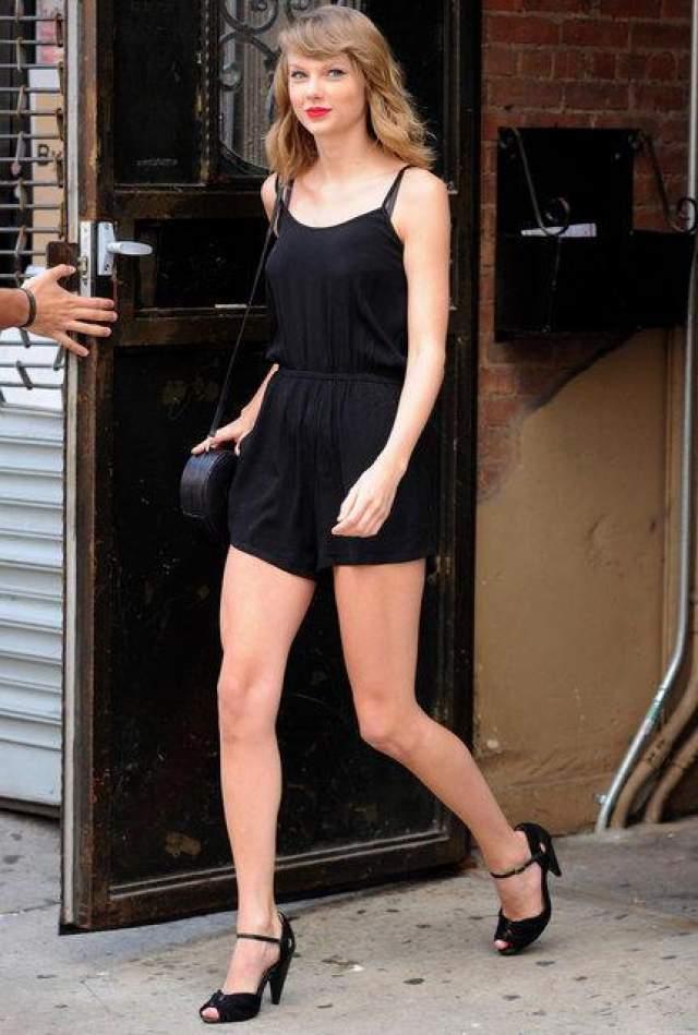 Тейлор Свифт в достаточно хорошей форме, в Сохо, Нью-Йорк, 14 июня 2014 года.