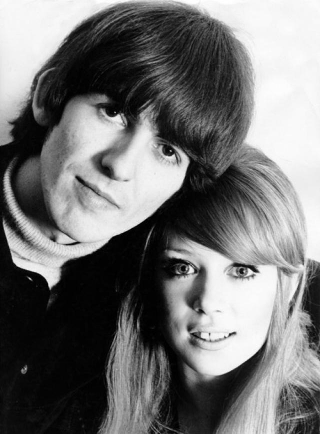 """Джордж Харрисон - Патти Бойд - Эрик Клэптон. Легендарная модель 60-х встретила свою судьбу на съемках фильма о группе The Beatles """"Вечер трудного дня"""": гитарист битлов Джордж Харрисон влюбился в нее с первого взгляда и в 1966 году женился на красотке."""