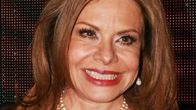 Мария была замужем всего один раз, ее супруг политик Хавьер Гарсия Паниагва умер в 1998 году после 22 лет совместной жизни. В браке у пары родилось двое сыновей. Сейчас у актрисы шестеро внуков, которым она дарит все свое свободное время.